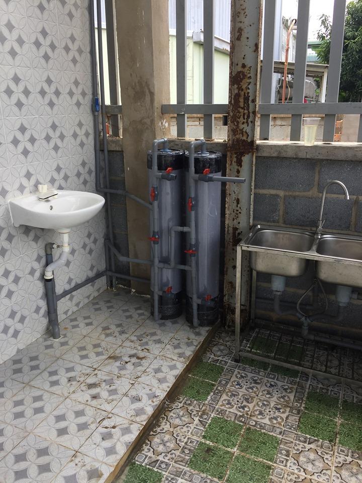 bình lọc nước phèn giá hơn 2 triệu có gì chất lượng thế nào?
