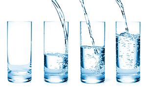 So sánh bình lọc nước và máy lọc nước